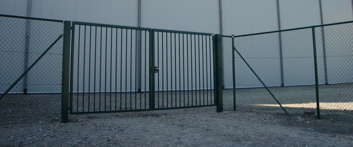 Portails pivotants industriels jusqu 39 8 m tres d for Portail hauteur 2m50