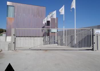 industriële draaipoort met automatisatie - 7 meter opening